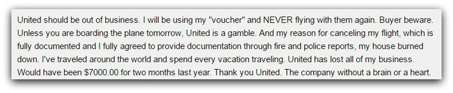 Hang loat be boi cua hang United Airlines 'loi duoi' hinh anh 4