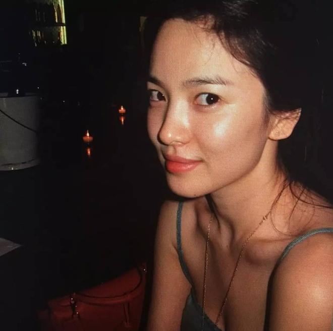 ve dep khong tuoi cua Song Hye Kyo anh 1