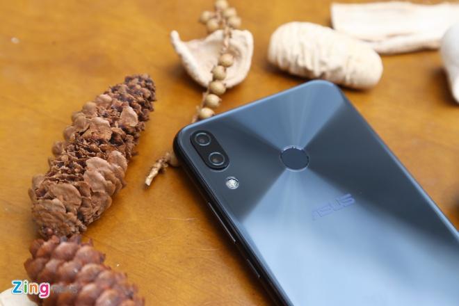 Zenfone 5 2018 ve Viet Nam voi gia 8 trieu dong hinh anh 1