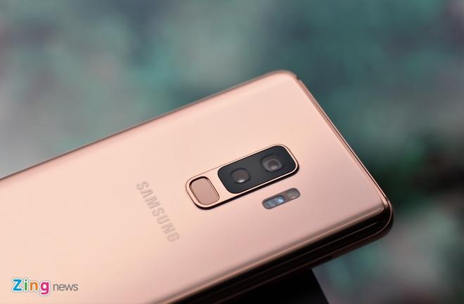 Galaxy S9+ Sunrise Gold: Phien ban hoang kim khac biet hinh anh