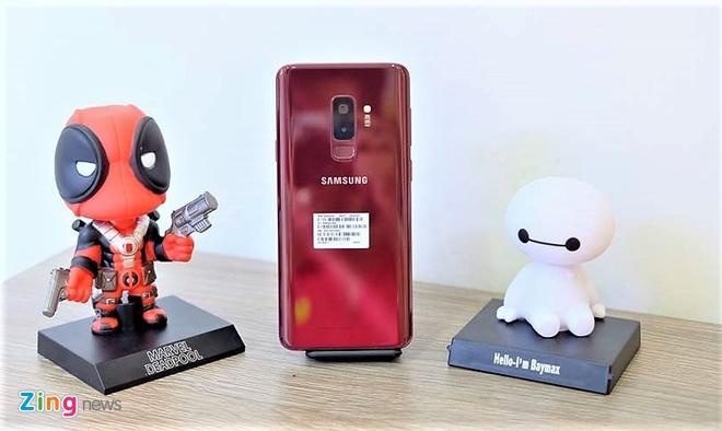 Galaxy S9+ mau do ve Viet Nam voi gia 16,3 trieu dong hinh anh