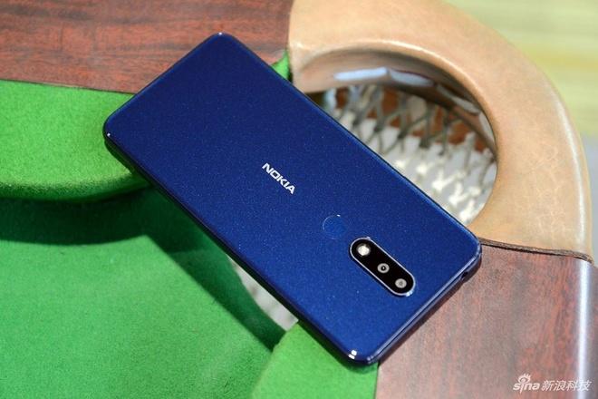Nokia X5 ra mat - thiet ke giong iPhone X, gia tu 148 USD hinh anh 1