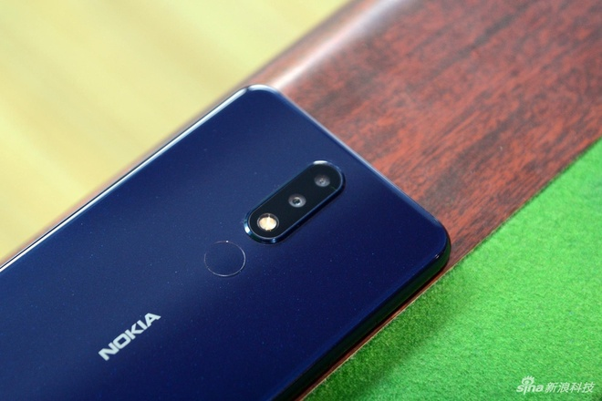 Nokia X5 ra mat - thiet ke giong iPhone X, gia tu 148 USD hinh anh