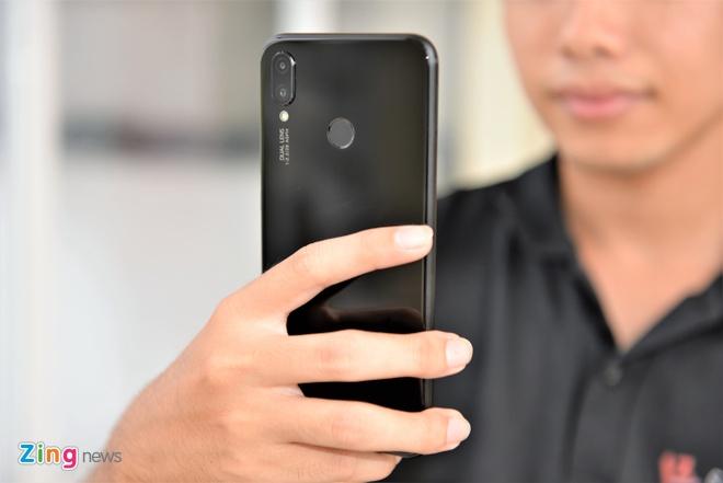 Trai nghiem Huawei nova 3i anh 2