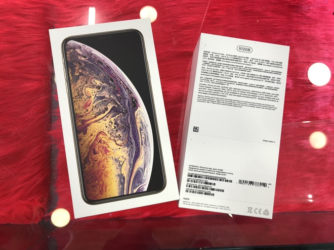 Anh iPhone XS Max dau tien ve VN, cua hang dat gia 79 trieu dong hinh anh