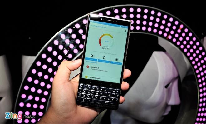 BlackBerry KEY2 LE ra mat tai Viet Nam anh 6
