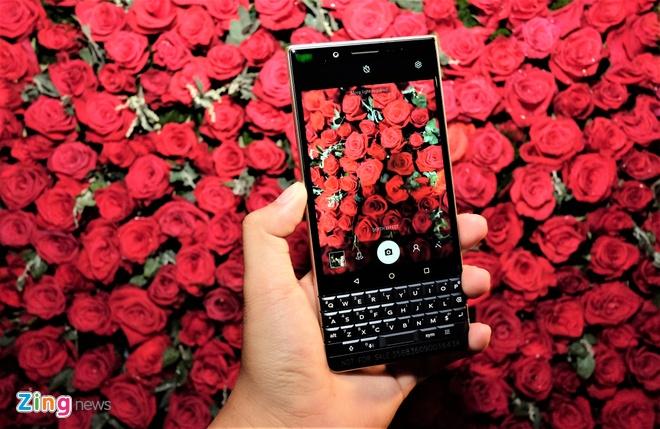 BlackBerry KEY2 LE ra mat tai Viet Nam anh 7