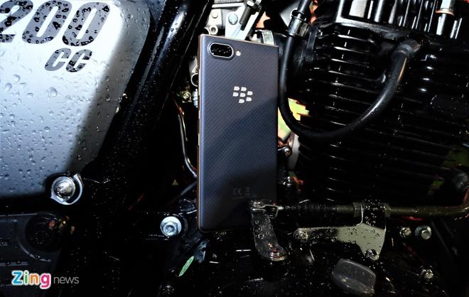 BlackBerry KEY2 LE ra mat tai Viet Nam anh 5