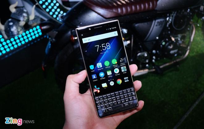 BlackBerry KEY2 LE ra mat tai Viet Nam anh 3
