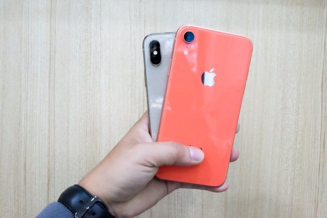 Nen mua iPhone XR hay iPhone X? hinh anh