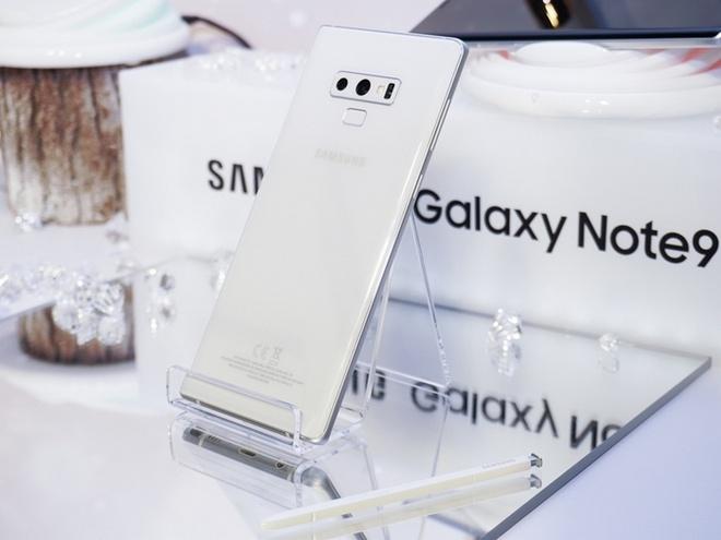 Galaxy Note9 ra mat phien ban mau trang mung le giang sinh hinh anh 1