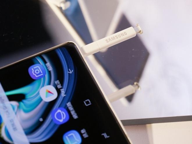 Galaxy Note9 ra mat phien ban mau trang mung le giang sinh hinh anh 3