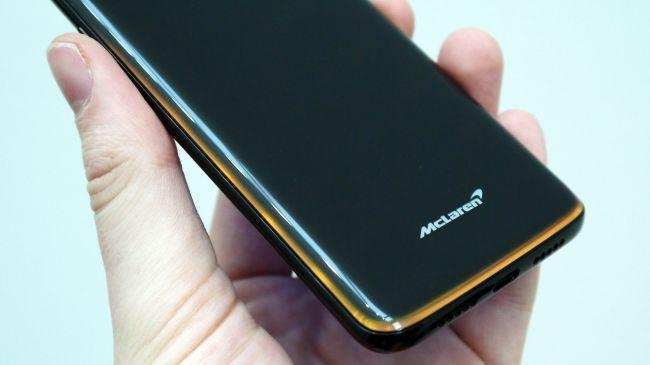 OnePlus 6T phien ban McLaren voi RAM 10 GB, gia 699 USD hinh anh 4