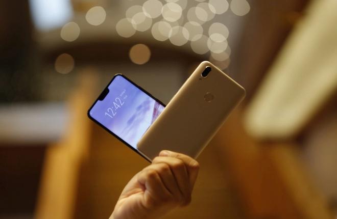 10 smartphone duoc tim kiem nhieu nhat 2018 o VN hinh anh 8
