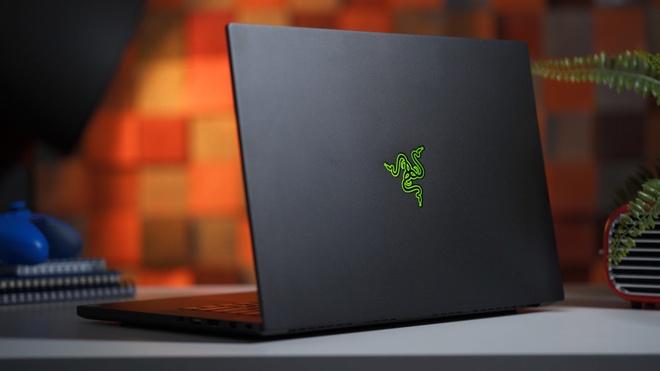 Nhung mau laptop noi bat nhat trong nam 2018 hinh anh 2