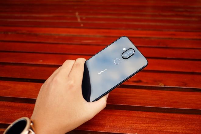 Nen mua Nokia 8.1 chinh hang hay Nokia X7 xach tay? hinh anh