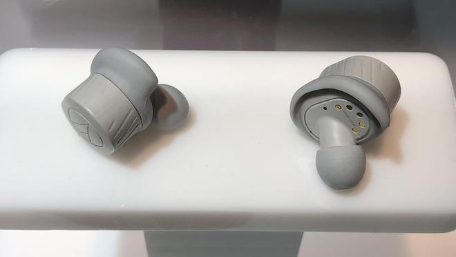 Nhung mau tai nghe doi thu cua Apple AirPods ra mat o CES 2019 hinh anh 2
