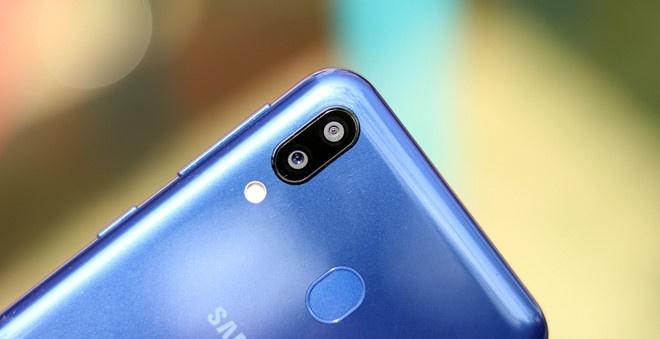 Samsung Galaxy M20 ve VN: Pin 5.000 mAh, camera kep, gia 5 trieu hinh anh 6