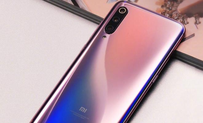 Xiaomi Mi 9 cau hinh manh lo dien, cho doi dau Samsung Galaxy S10 hinh anh 4