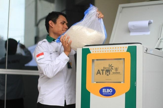 May ATM rut gao thay vi tien hinh anh