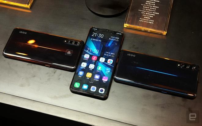 Vivo ra smartphone dung Snapdragon 855, RAM 12 GB, gia 640 USD hinh anh 2