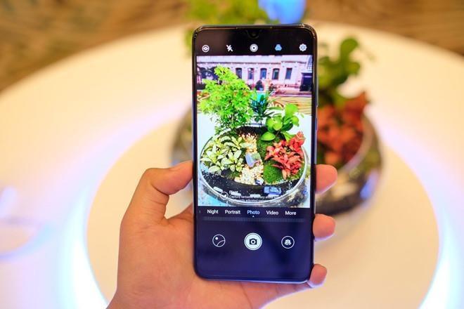 smartphone tam trung dang chu y anh 2