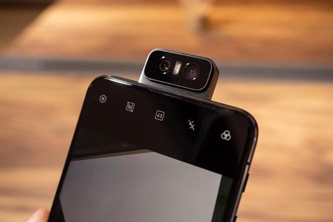 Loat smartphone thich hop de livestream, lam vlog hinh anh 3