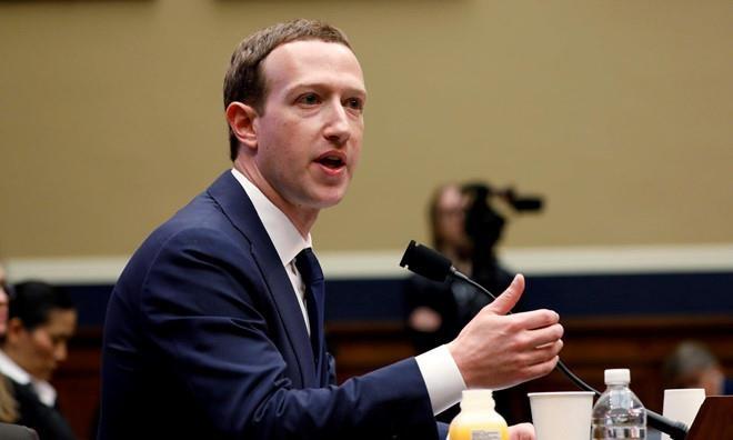 Facebook bi to tinh nang nhan dien khuon mat anh 2