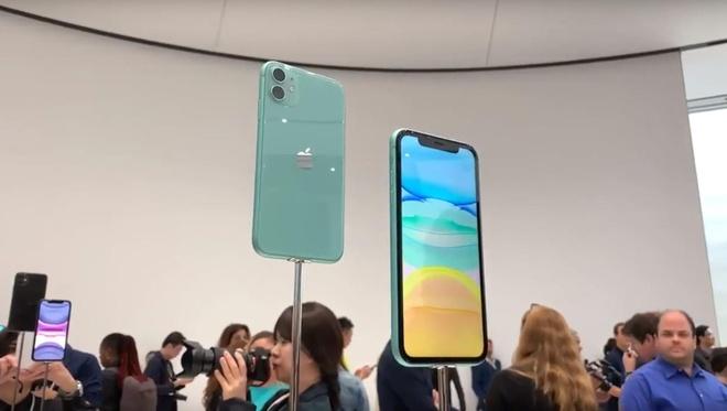 Anh thuc te iPhone 11 - gia tu 699 USD, nhieu mau, camera nang cap hinh anh 4
