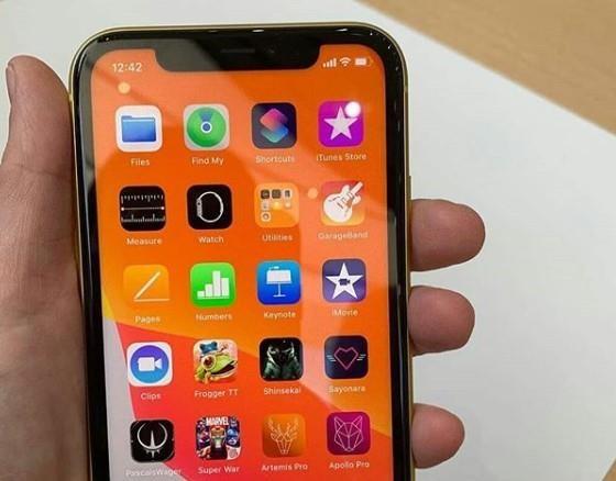 Anh thuc te iPhone 11 - gia tu 699 USD, nhieu mau, camera nang cap hinh anh 8