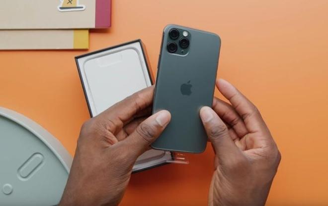 Danh gia nhanh iPhone 11 Pro Max cua mot nguoi di Singapore mua iPhone hinh anh