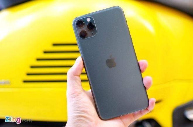 iPhone 11 Pro Max khoa mang ve Viet Nam anh 2