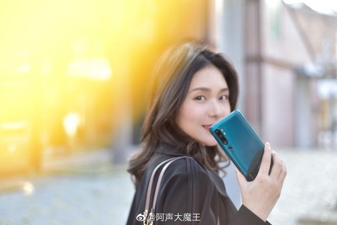 Xiaomi gioi thieu smartphone co 5 camera sau, 108 Megapixel hinh anh 6