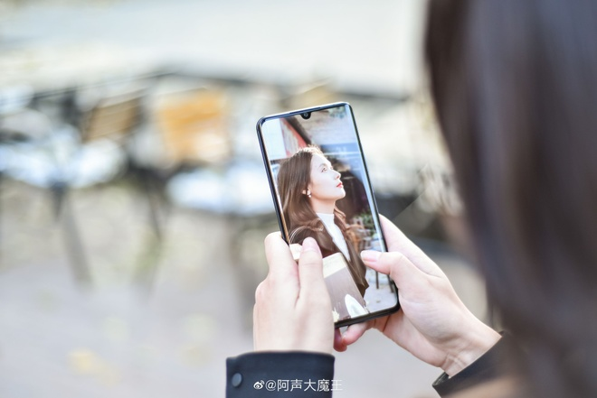 Xiaomi gioi thieu smartphone co 5 camera sau, 108 Megapixel hinh anh 3