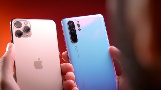iPhone 11 Pro Max bản cao cấp nhất có giá cao gấp đôi các mẫu flagship Android. Ảnh: Cnet.