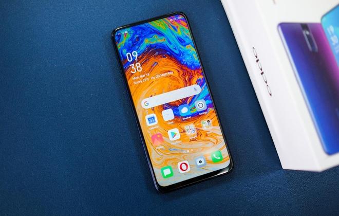 Nhieu smartphone chinh hang giam gia dau thang 4 hinh anh 7 Oppo_F11_Pro.jpg