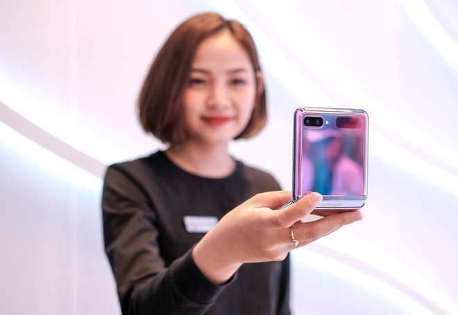 iPhone SE 2020 giam gia anh 7