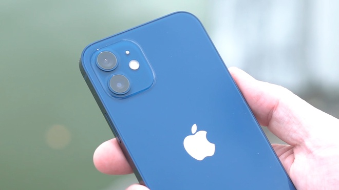 Danh gia nhanh iPhone 12 dau tien ve Viet Nam hinh anh