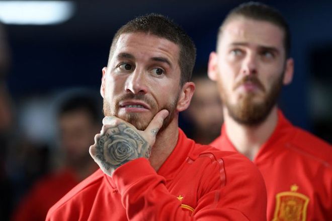 Sergio Ramos 'an mung' Mohamed Salah bi loai khoi World Cup hinh anh