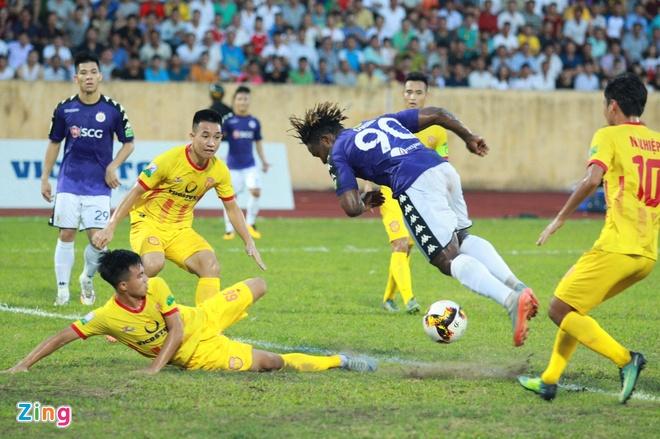 CDV Ha Noi an mung khi doi nha tiep tuc bat bai o V.League 2018 hinh anh 1