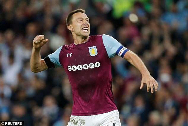 Terry cung Aston Villa vao chung ket, hang nghin CDV xuong san an mung hinh anh 1