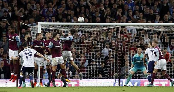Terry cung Aston Villa vao chung ket, hang nghin CDV xuong san an mung hinh anh 9