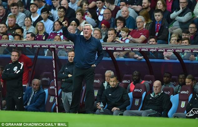 Terry cung Aston Villa vao chung ket, hang nghin CDV xuong san an mung hinh anh 10