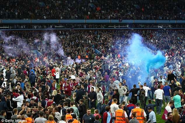 Terry cung Aston Villa vao chung ket, hang nghin CDV xuong san an mung hinh anh 5