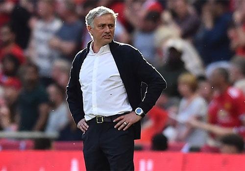 Neu Mourinho con tu trong thi hay nghi viec di hinh anh 1