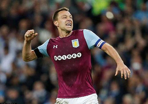 Terry cung Aston Villa vao chung ket, hang nghin CDV xuong san an mung hinh anh