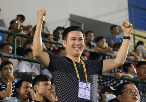 Ong bau cua CLB Hai Phong yeu bong da hon chinh ban than hinh anh