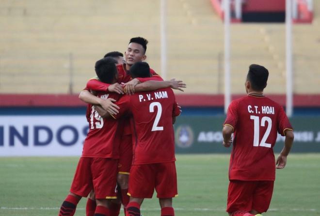 U19 Viet Nam vuot mat Thai Lan sau tran thang dam Philippines hinh anh