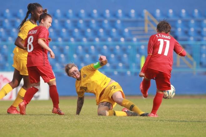 Doi tuyen nu Viet Nam thua U20 Australia o ban ket AFF Cup hinh anh