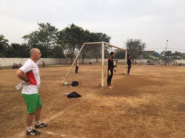 Sau Olympic Viet Nam, Myanmar va Iran phai tap tren 'mat ruong' hinh anh 2